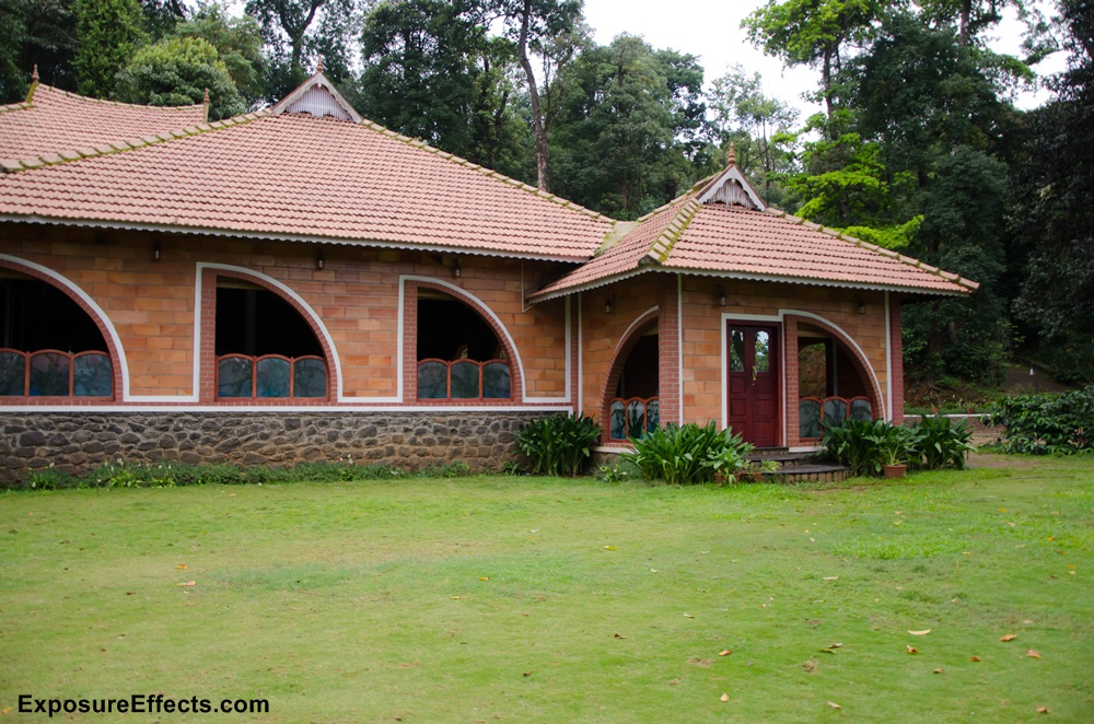 Misty Woods Coorg Resorts dining area