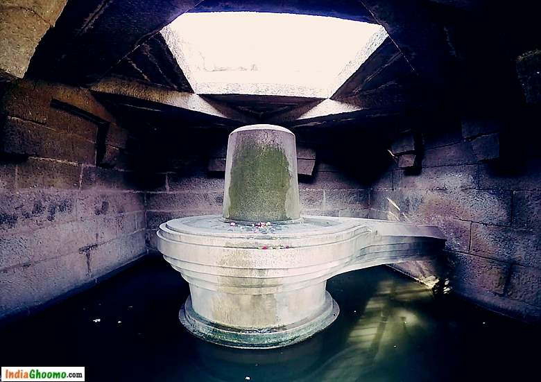 Hampi Sacred Centre - The Badavi Linga Temple