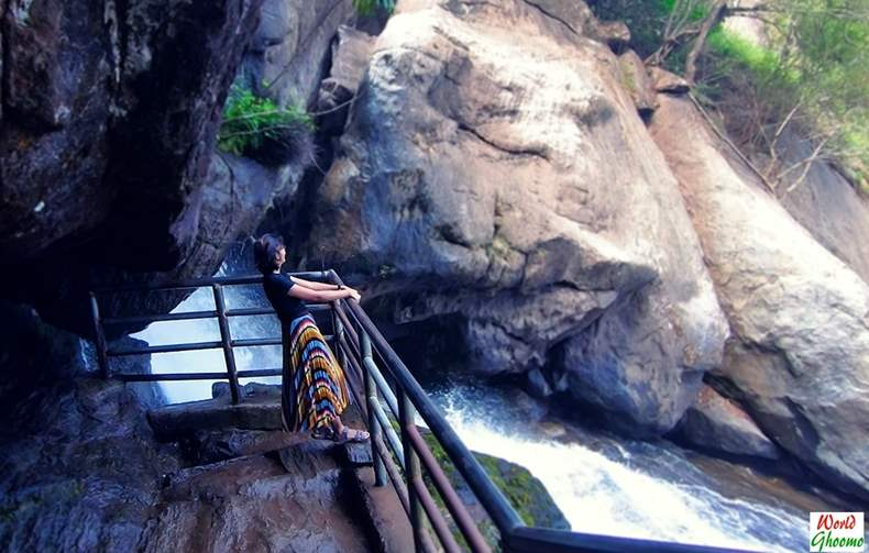 Wayanad Best Waterfalls Meenmutti